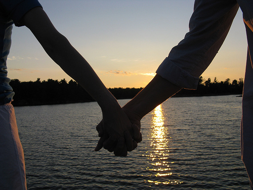 holding hands | Flickr - Photo Sharing!