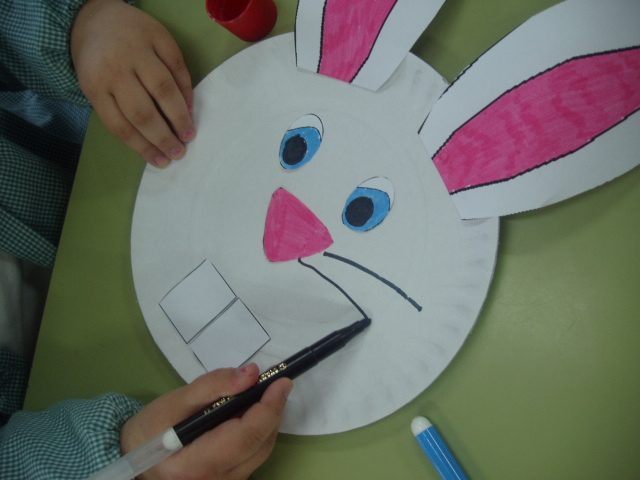 how to make easter bunny footprints with baby powder